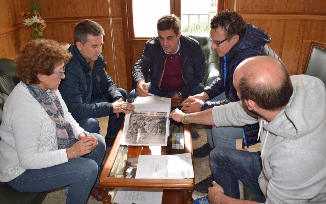 La Diputación entrega el proyecto de arreglo del camino trasero del Cementerio 1