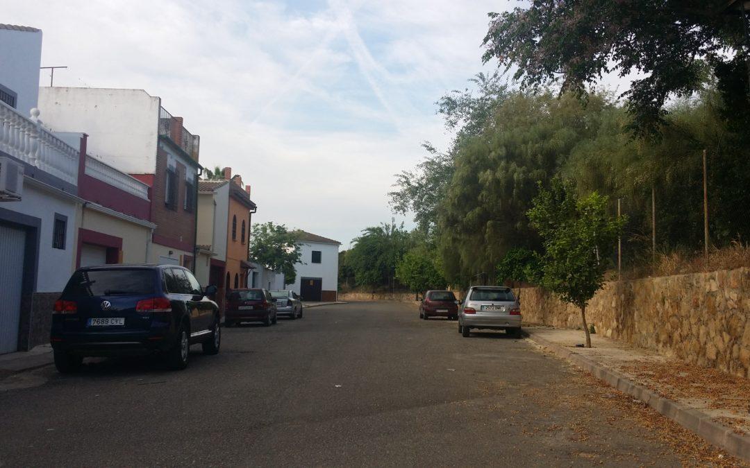 """Bando sobre calle """"Los Peñasquitos"""" en la Bda del Rosario 1"""
