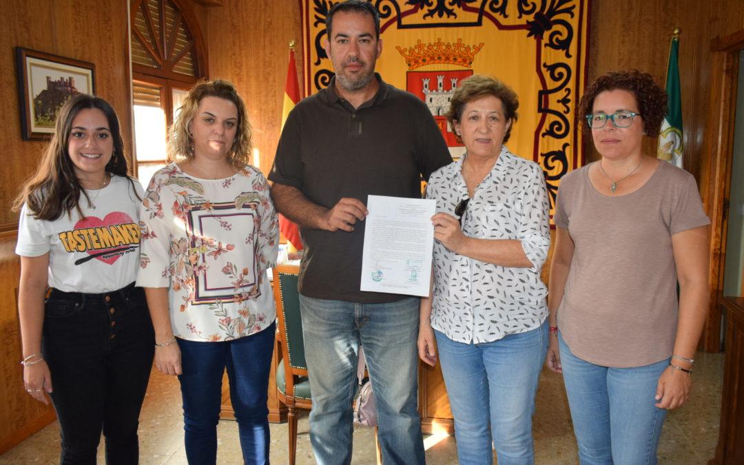 El Consistorio pide a la Junta de Andalucía que autorice la pesca desde embarcación en el embalse de La Breña II